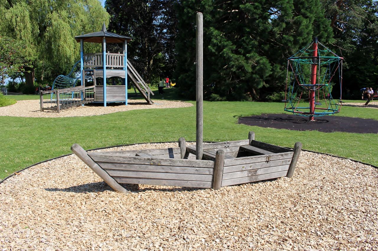 childrens-playground-814520_1280
